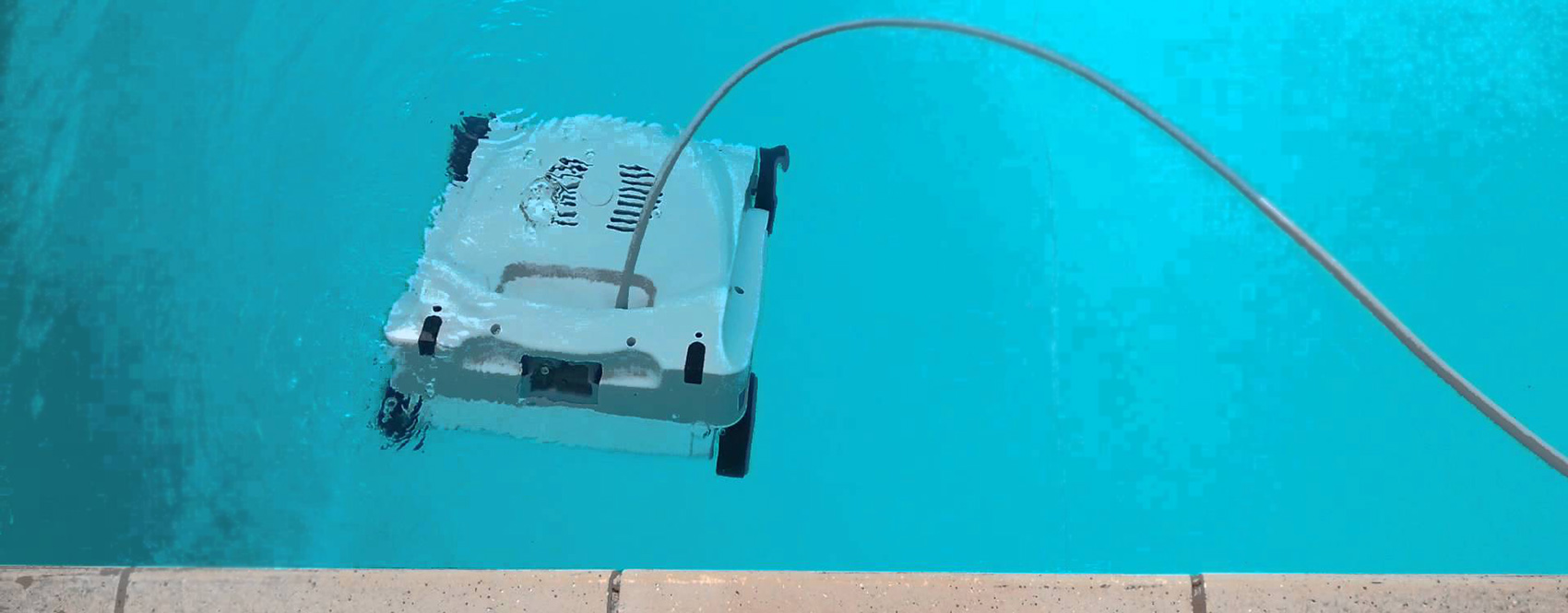 Entretien maintenance piscine vend e chauffage installation 85 for Entretien piscine